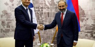 Председатель Коллегии ЕЭК Тигран Саркисян встретился с Премьер-министром Республики Армения Николом Пашиняном