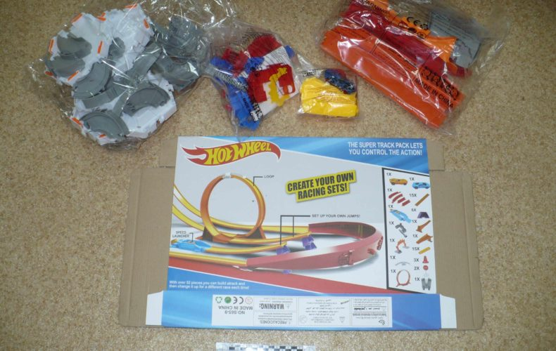 Хабаровские таможенники задержали контрафактные игрушки