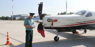 Камчатские таможенники оформили частные самолёты из экспедиции «AIR JOURNEY»