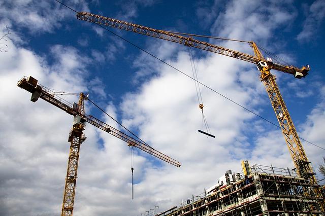 РЭЦ поддержал отечественного производителя башенных кранов