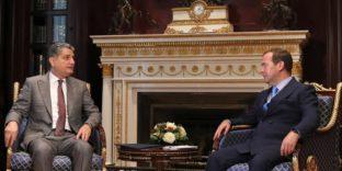 Встреча Председателя Коллегии ЕЭК Тиграна Саркисяна с Председателем Правительства РФ Дмитрием Медведевым