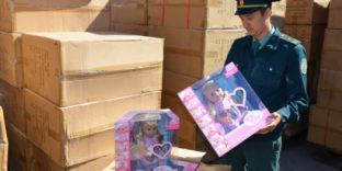 Контрафактные детские куклы «Baby born» задержала Владивостокская таможня