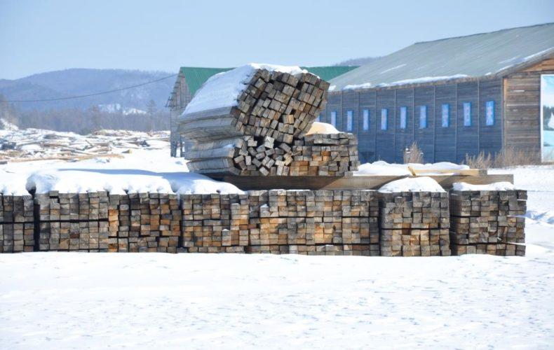 Читинские таможенники выявили организованную преступную группу, которая занималась контрабандой лесоматериалов ценных пород в Китай