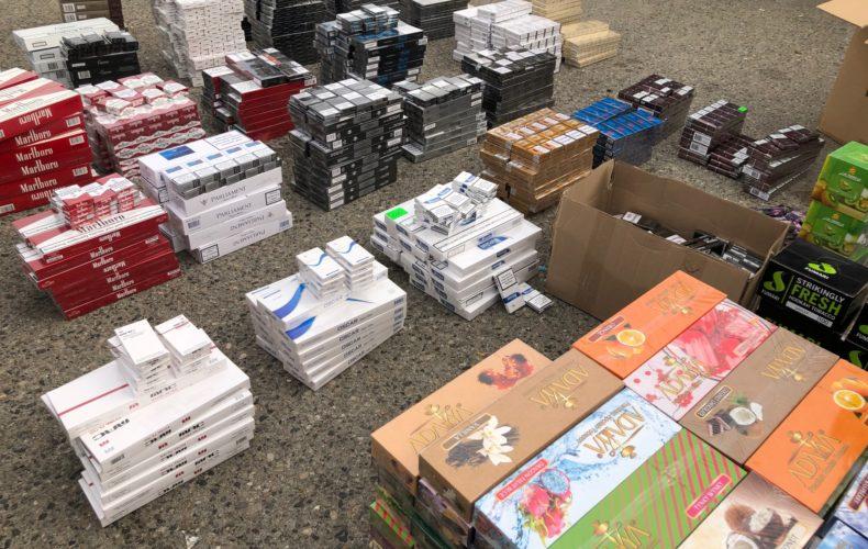 Таможенники обнаружили на оптовом рынке Пятигорска более 185 тыс. упаковок табачной продукции без маркировки