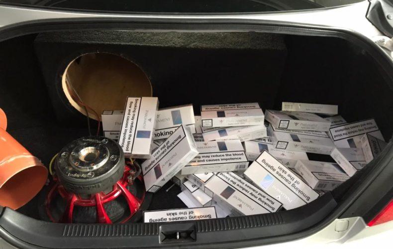 Задержаны иномарки с тайниками сигарет