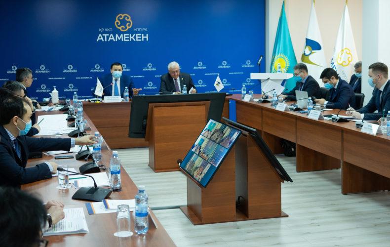 Михаил Мясникович: «Считаю, что привлекать капитал надо в первую очередь в инновационные производства, а также в кадры»