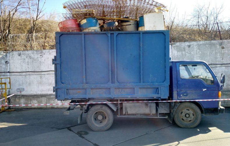 Владивостокские таможенники в партии металлолома выявили детали с превышением радиационного фона в 900 раз