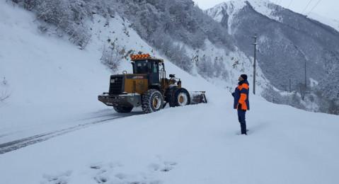 Дорога на участке Бурон - Северный Портал Рокского тоннеля закрыта для всех видов автотранспорта