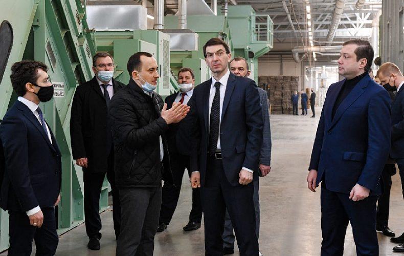 Полпред Игорь Щеголев посетил новый льнозавод «Русский лен» в Смоленской области