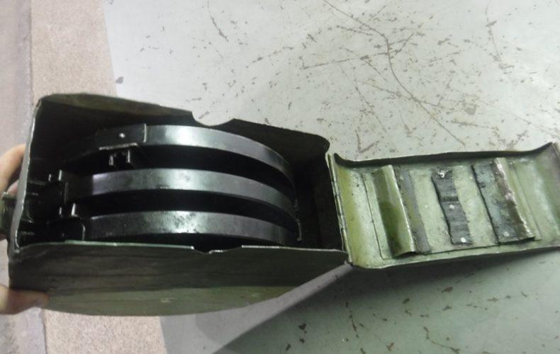 Выборгские таможенники пресекли незаконный ввоз дисковых магазинов к пулемету Дегтярева