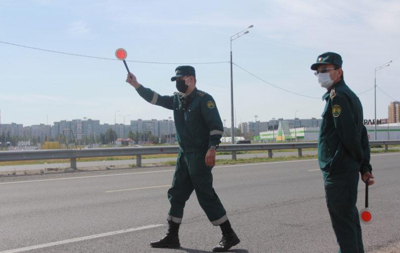 Пресс-тур на склады с незаконно ввезенными товарами, задержанными мобильной группой Самарской таможни
