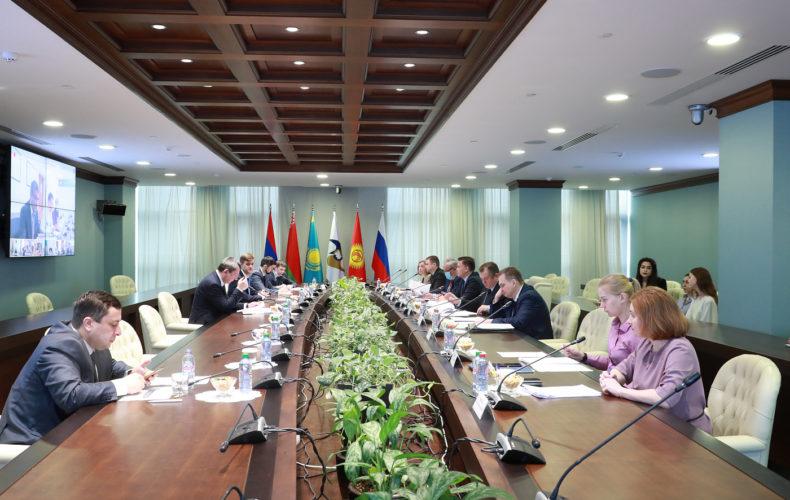 Сергей Глазьев заявил о необходимости анализа и прогнозирования объемов взаимной торговли в ЕАЭС