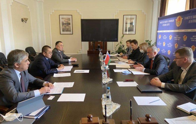 Министр ЕЭК Эмиль Кайкиев обсудил вопросы транспортного взаимодействия в рамках ЕАЭС с руководством Беларуси
