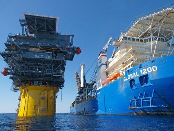 Почти три миллиона тонн нефти оформил на экспорт Де-Кастринский таможенный пост Хабаровской таможни в 2021 году