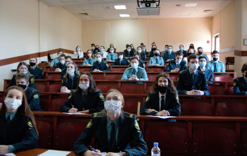 В Российской таможенной академии прошла ежегодная просветительская акция «Тотальный диктант»