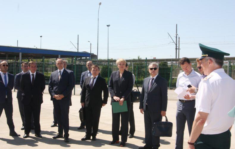 В Сочи обсудили вопросы взаимодействия таможенных служб России и Абхазии в период курортного сезона