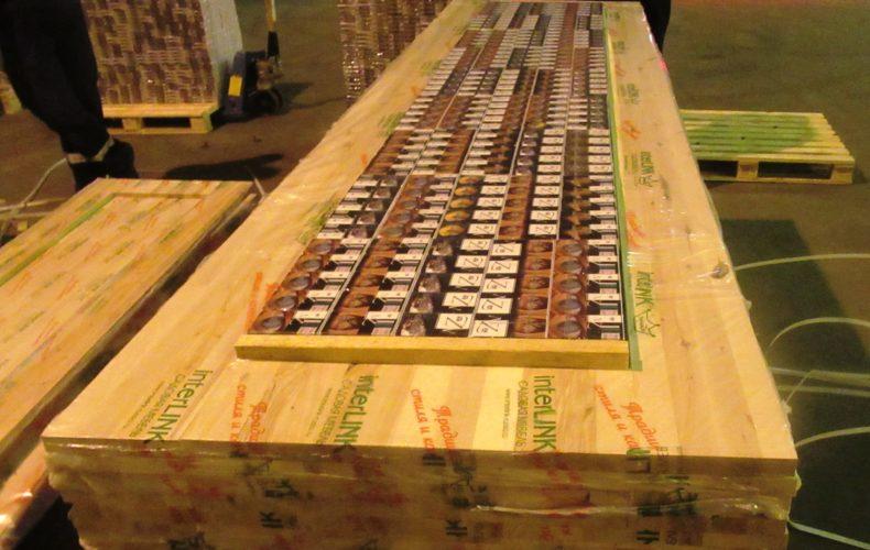 Таможенники на Балтике обнаружили контрабанду 50 тысяч пачек белорусских сигарет