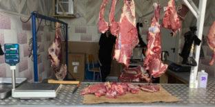 Почти 3 центнера сомнительной говядины и баранины изъяли из торгового оборота уральские таможенники
