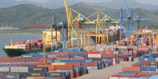 Первые партии контейнеров по новому транзитному маршруту из Азии в Турцию оформили находкинские таможенники