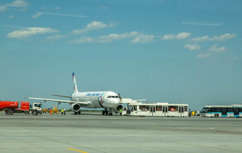 Челябинские таможенники встретили первый международный авиарейс