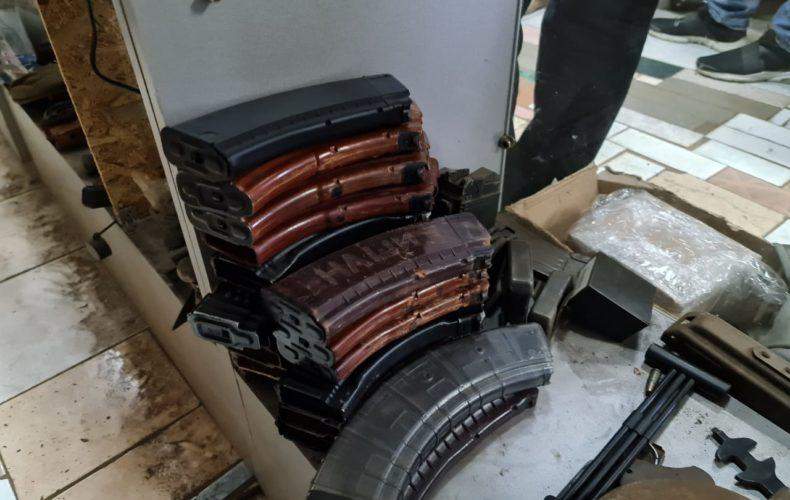 Самарские таможенники пресекли контрабанду магазинов к автомату Калашникова