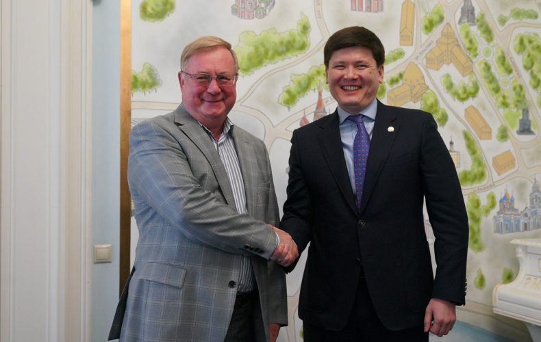 Руслан Бекетаев и Сергей Степашин обсудили перспективы сотрудничества ЕЭК и РНИИИС в сфере интеллектуальной собственности