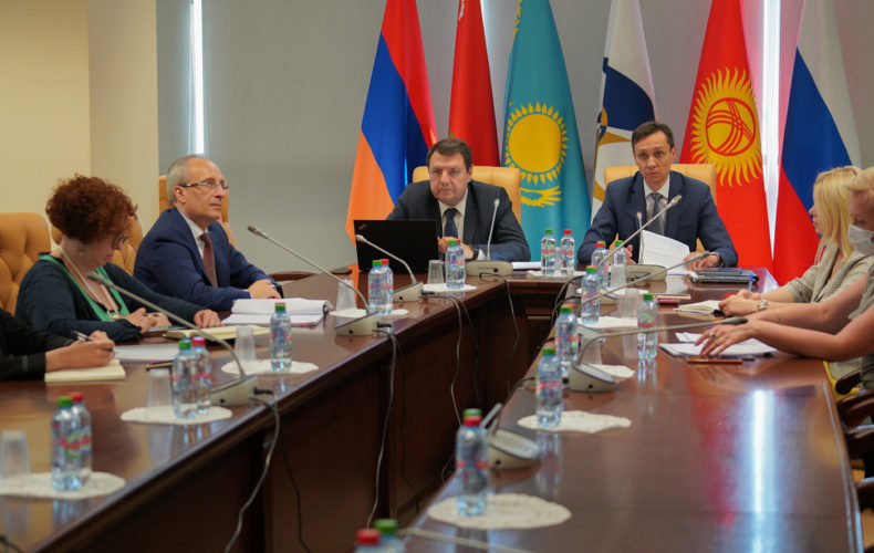ЕЭК и Еврокомиссия обсудили вопросы техрегламентов об алкогольной и химической продукции