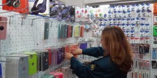 Краснодарские таможенники выявили контрафактные аксессуары «iPhone» и «APPLE» на сумму более 4,3 млн рублей