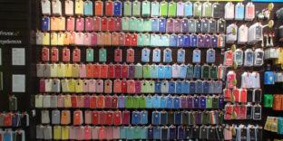 В Ижевске таможенники выявили партию поддельных аксессуаров Apple